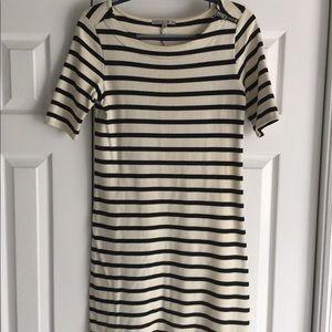 Gap: Black & White Shift Dress